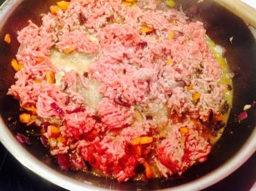 Carne, vino y caldo despues